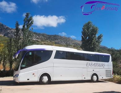 Autocares ENSATOURS en Granja Escuela El Circo, Colmenar (Málaga)